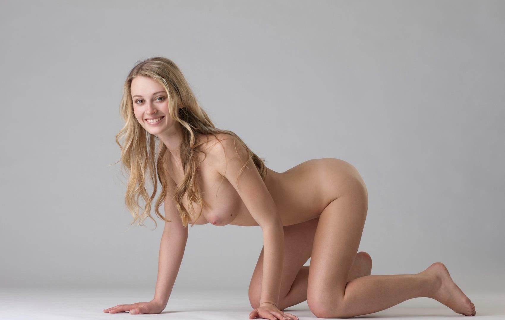 blonde girl perfect ass Nude
