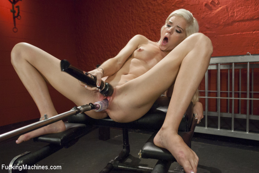 girl fucking machine Blonde