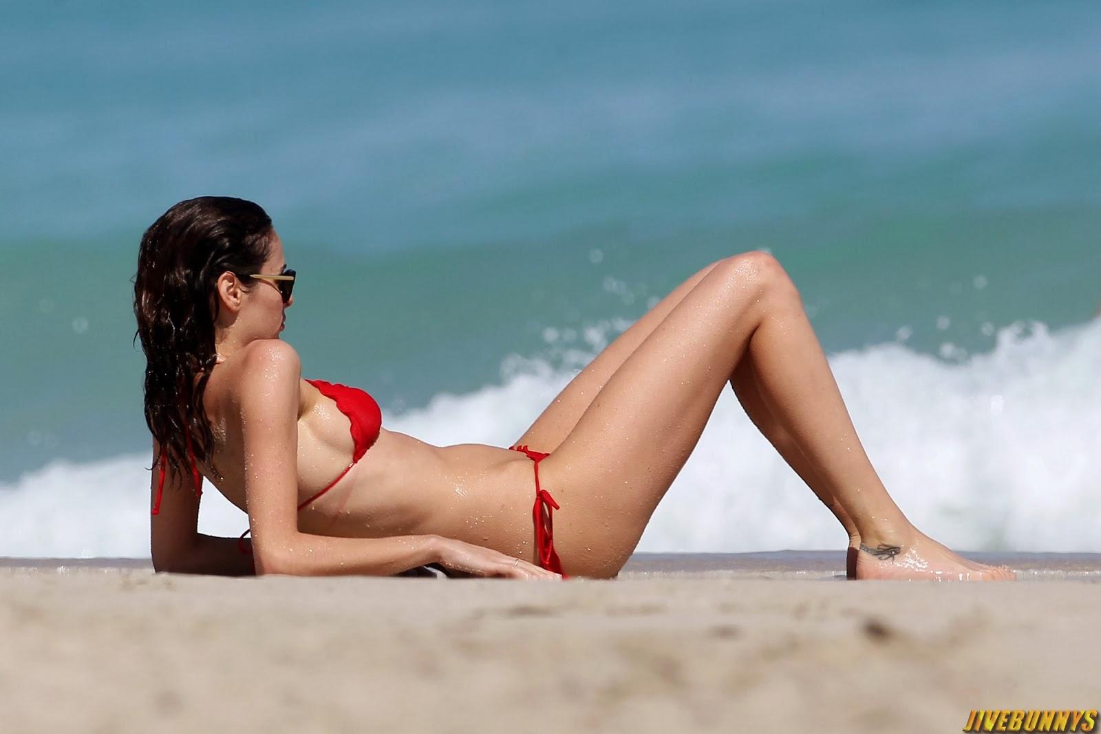 women Girl nude australian