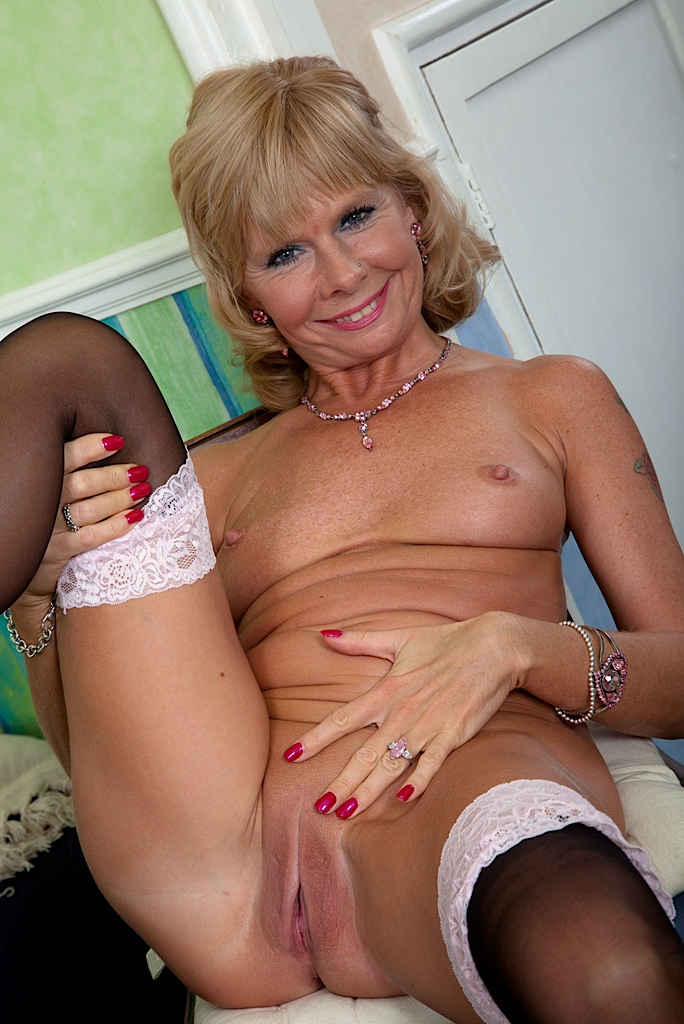 swinger mom party pics