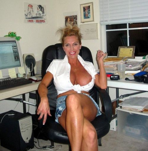 Mom women mature picture brunette Beautiful xxx