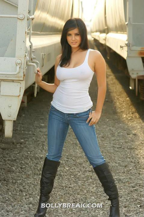 tank Tight tops and jeans