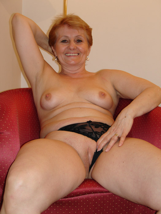 Sexy older women pussy