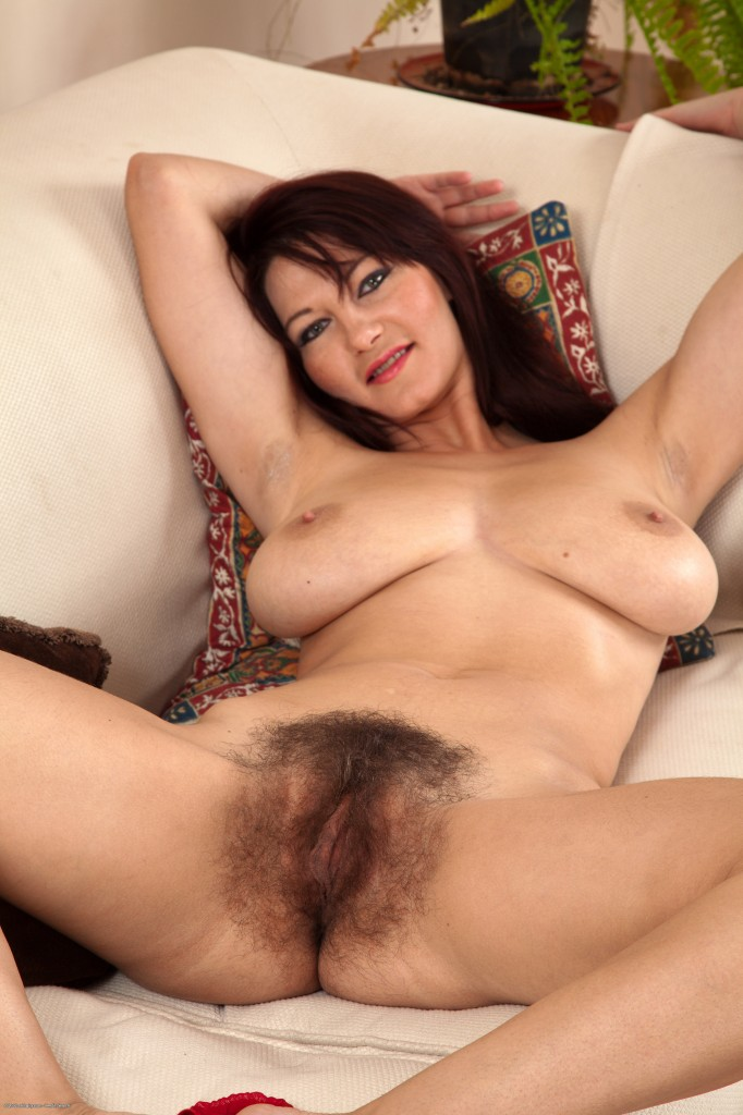 mature woman Hot pretty nude