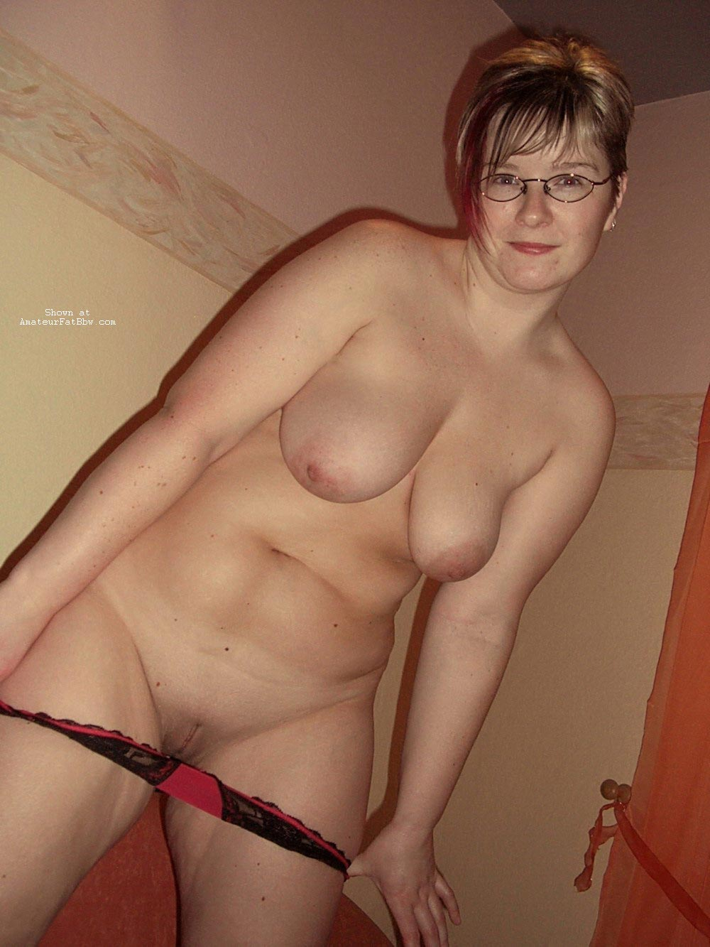 nude mature women self pictures