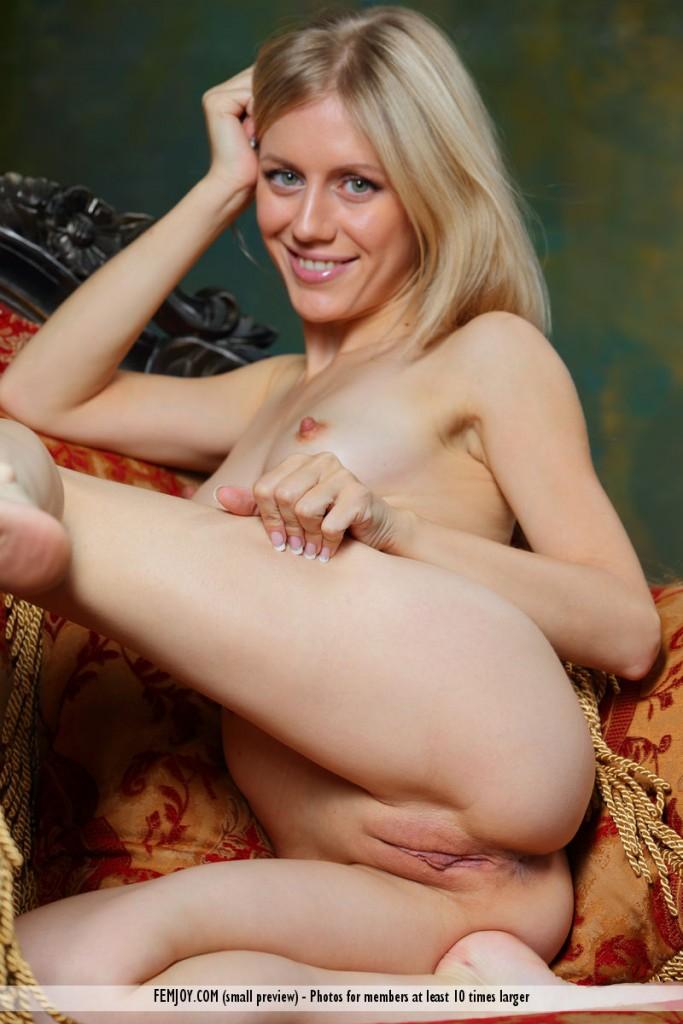 nipples k Femjoy dori