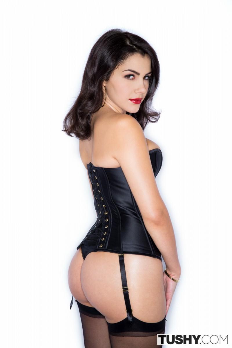 lesbians Hot latina