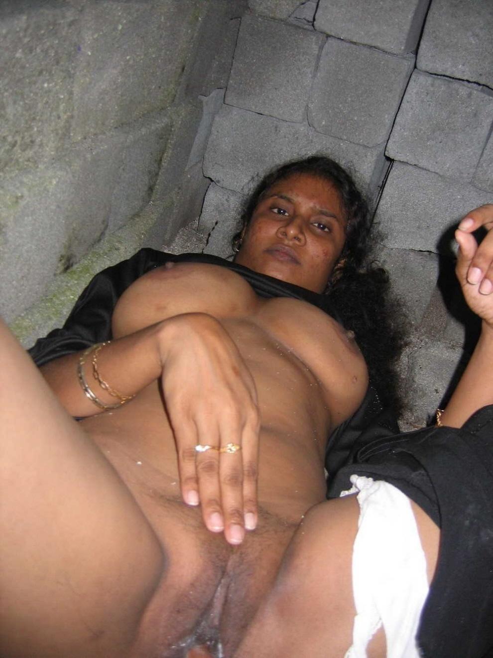 Nude mallu aunty dp