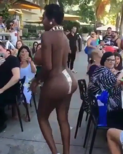 girl Naked black women dance