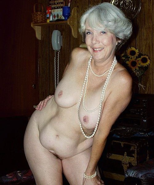 women saggy tits Mature