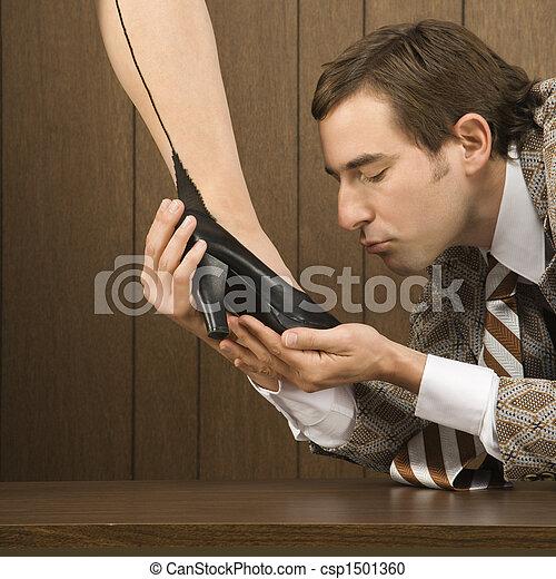 foot kisser Lesbian