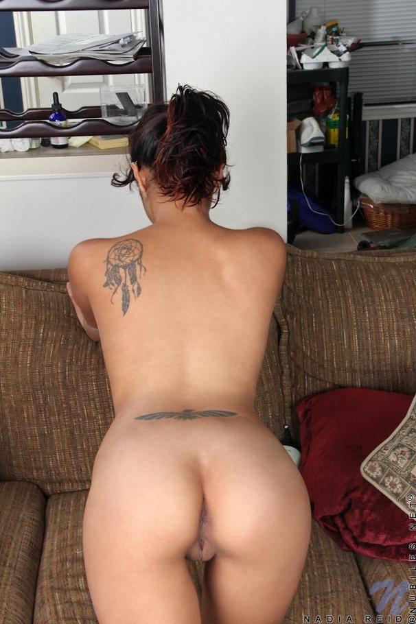Nude back side auntyes