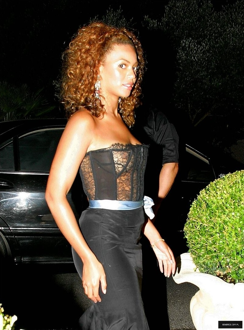Beyonce knowles see thru - many wallpaper