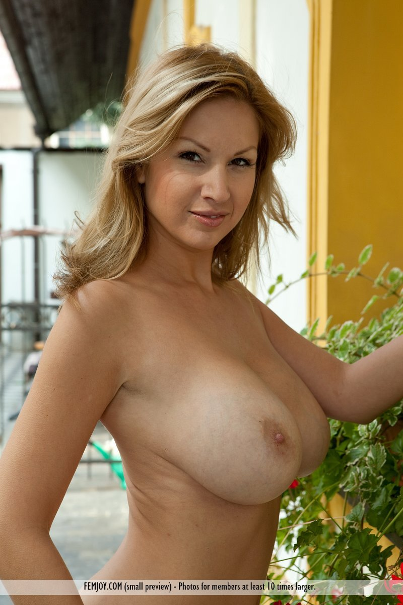 Perfect milf boobs happens