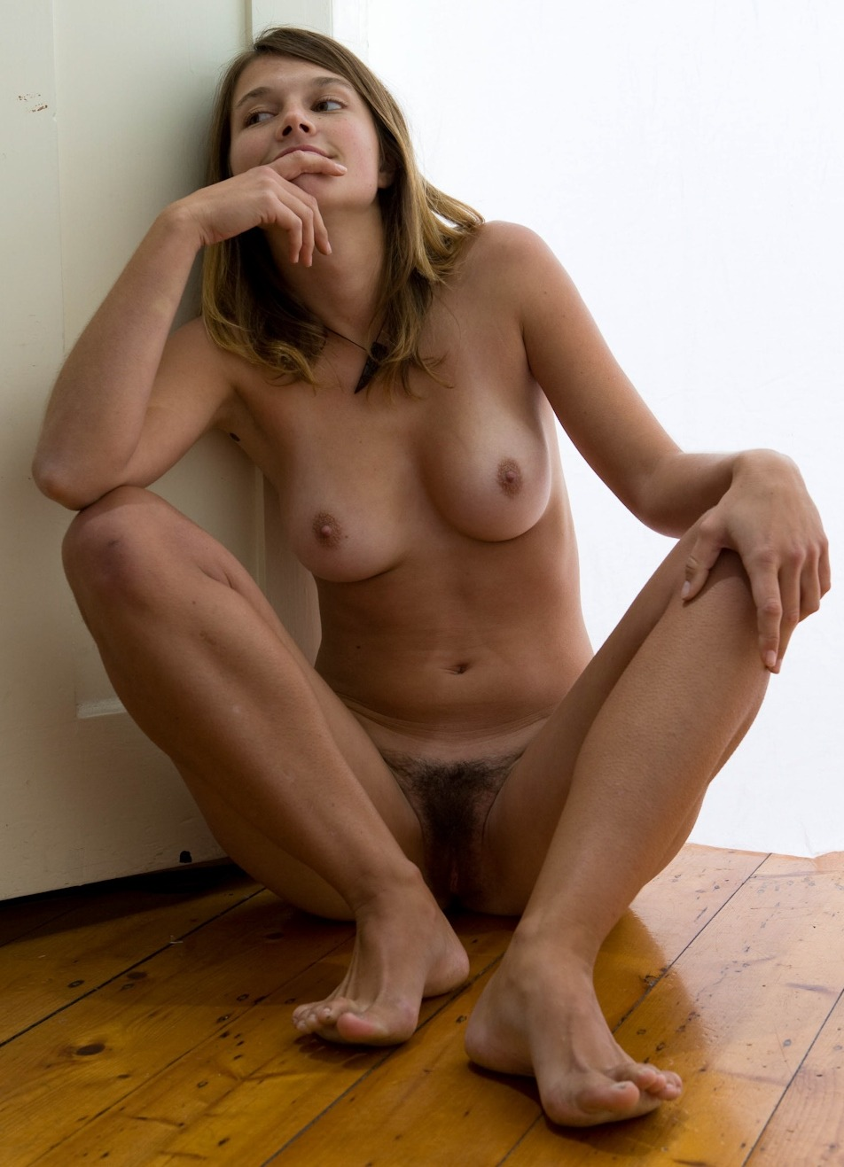 hairy Beautiful nude pussy girls