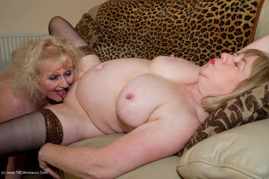 mature Curvy ass