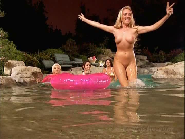Nude girl having creampie