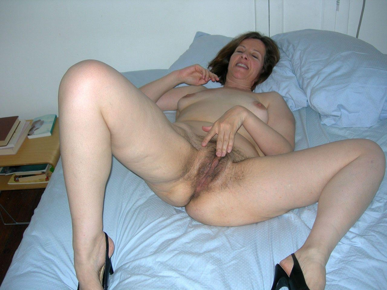 hot Amateur tease milf strips