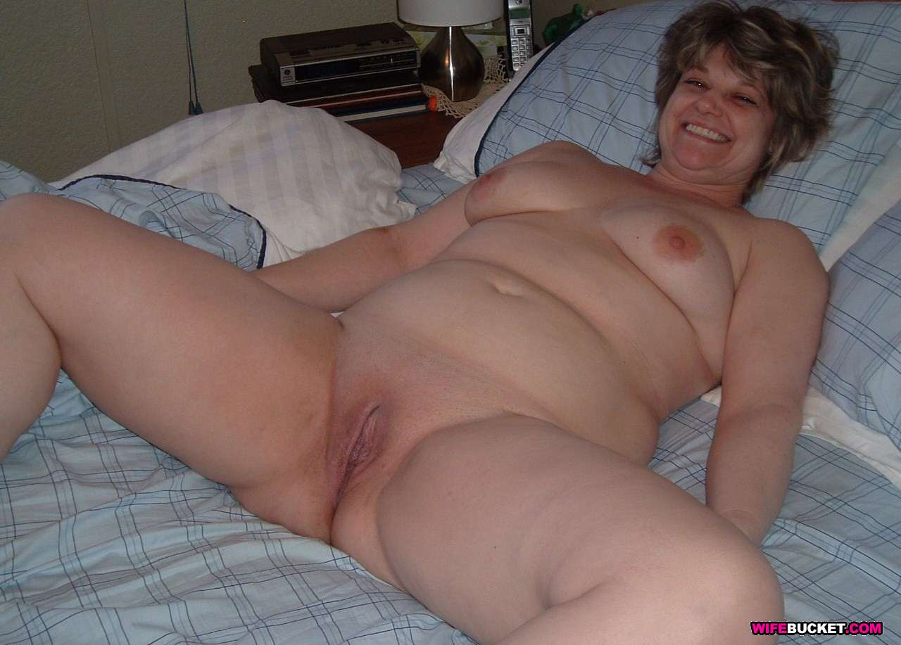 nude wives submitted User