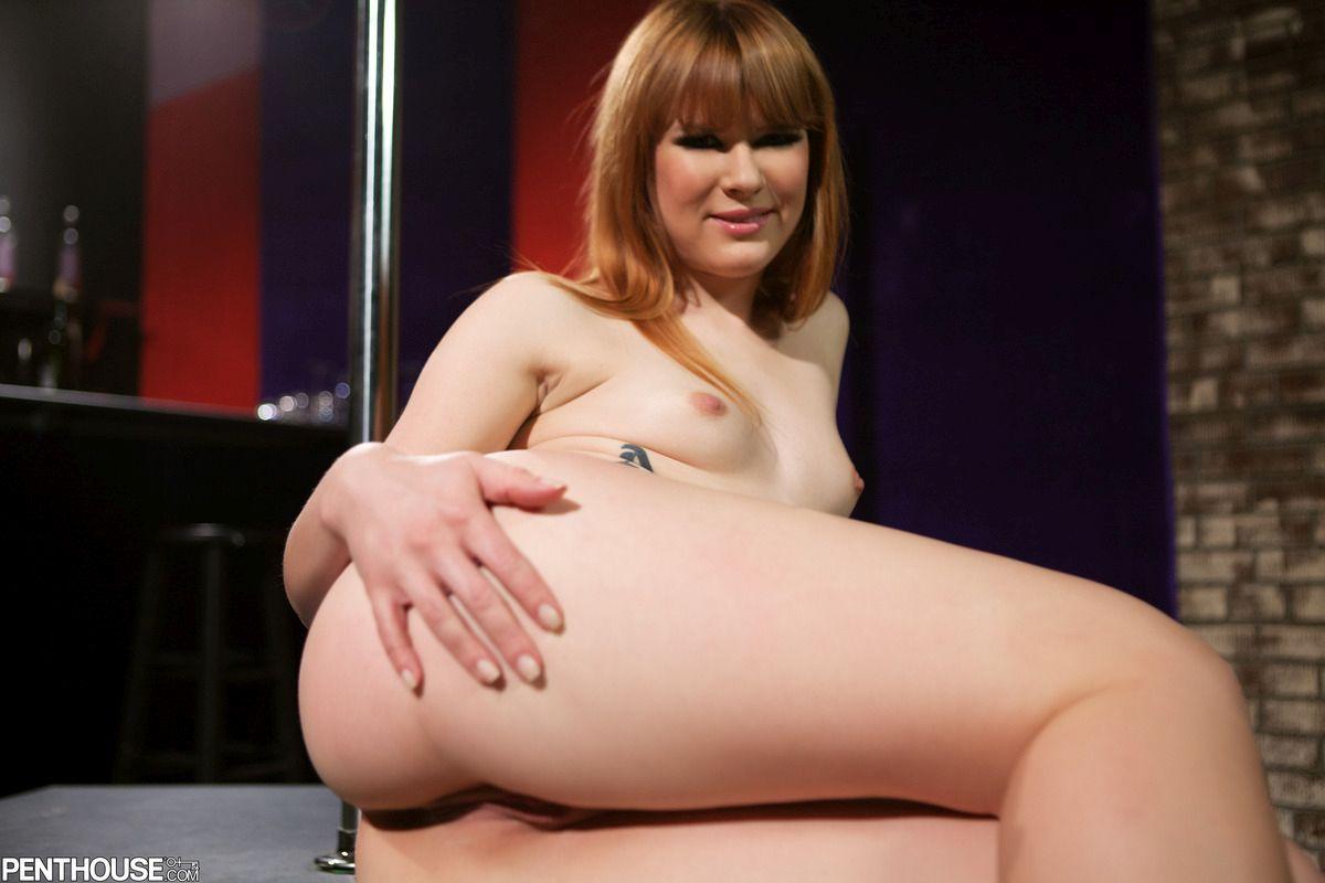 nude Claire robbins