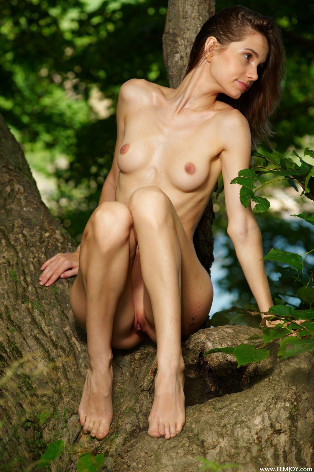 dasha nude Anya