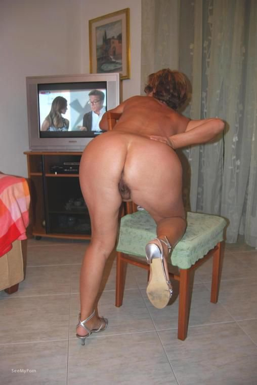 house around Mature nude wife