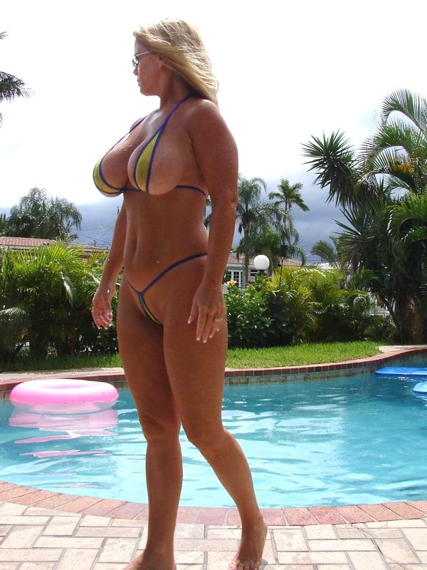 bikini string Chubby mature