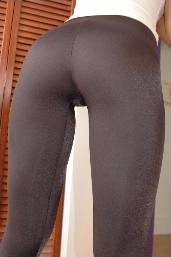 yoga pants butts Hot girl