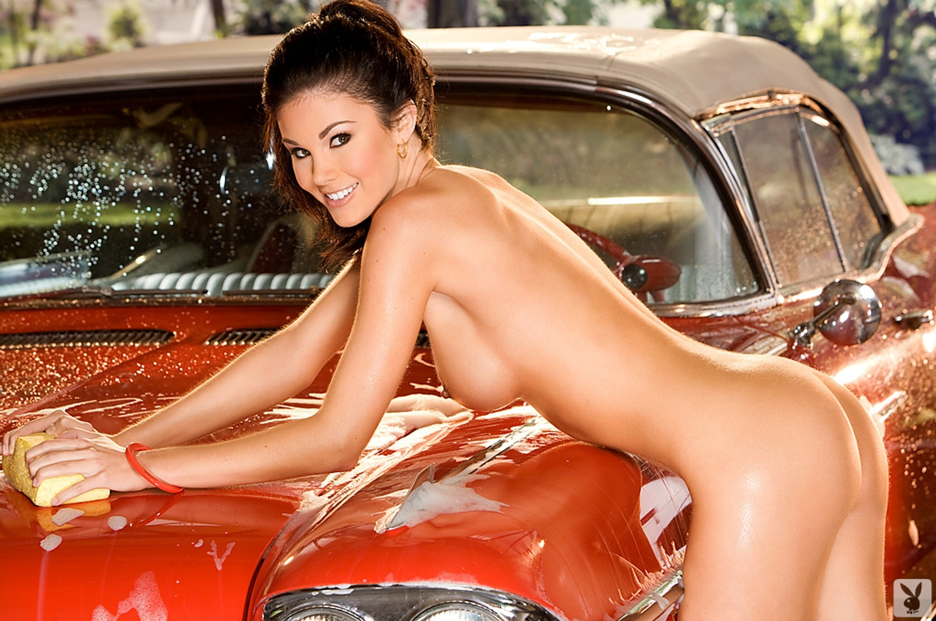 the wash Nude car girls at