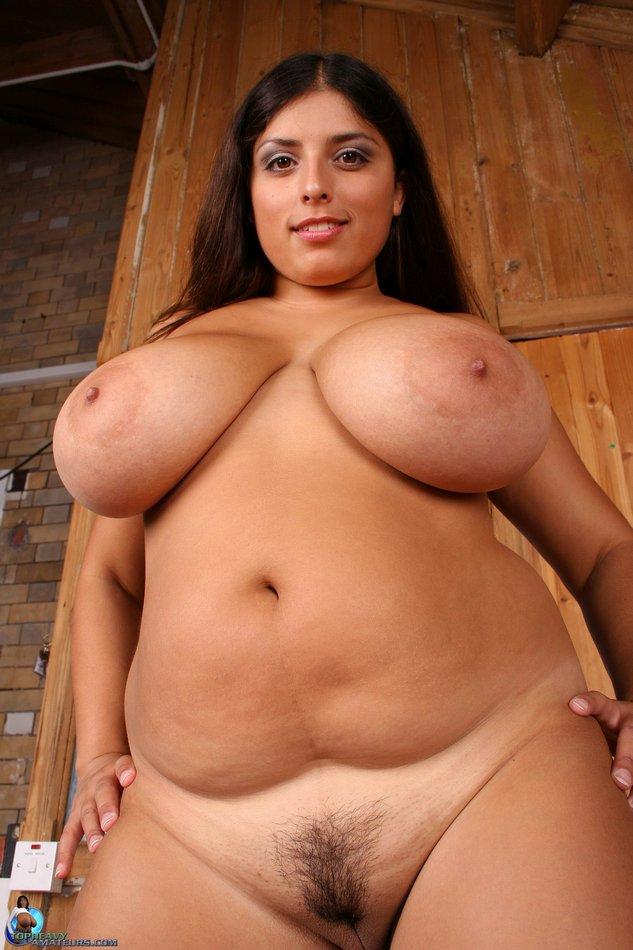 nude women Chubby brunette