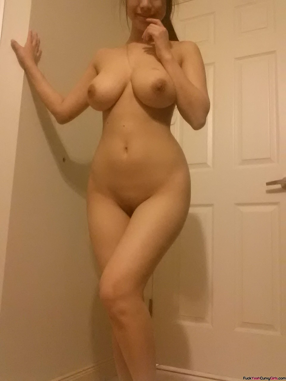big hips amateur wife nude