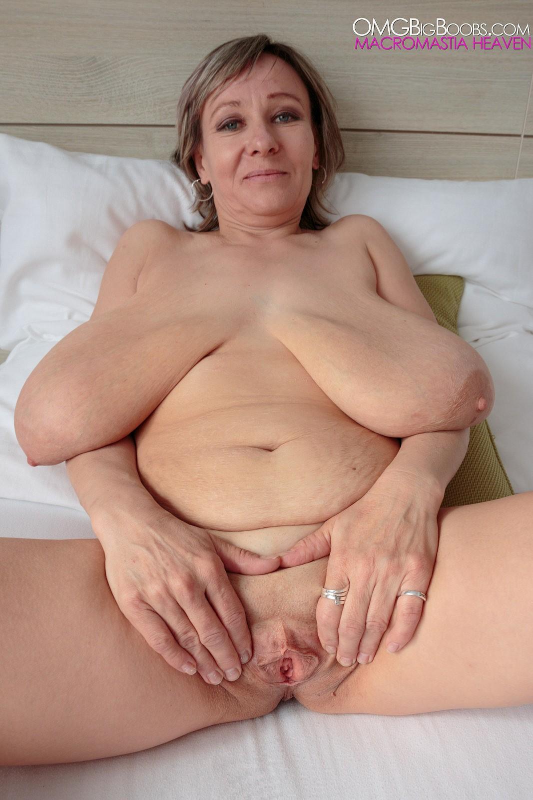women saggy tits Mature