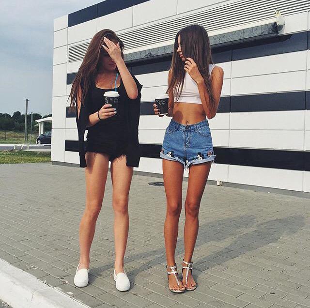 brunette gap Skinny thigh