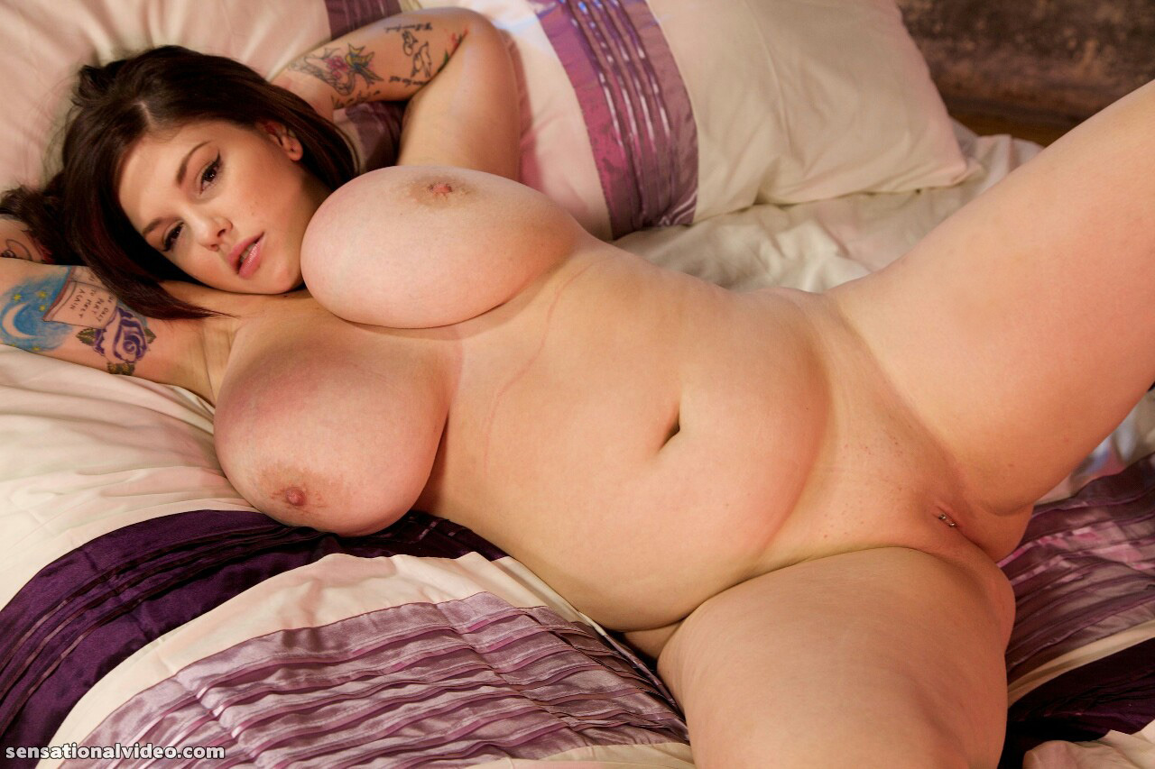 dors feline size Plus nude model