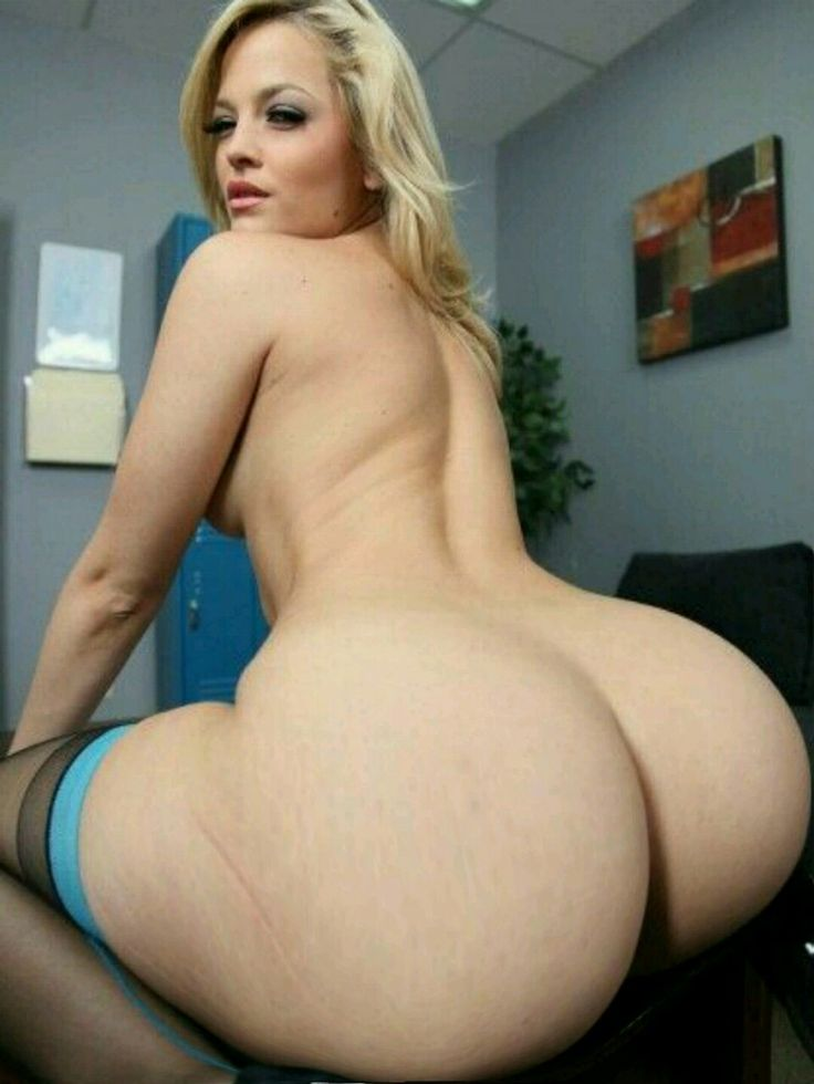 white chicks nude with big butts