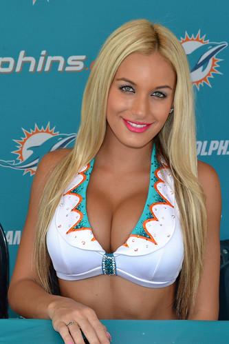 cheerleader brianne herndon Miami dolphins