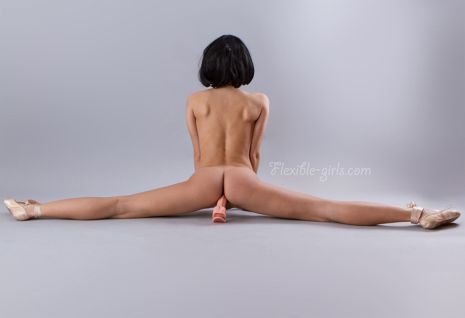 young girls Flexible