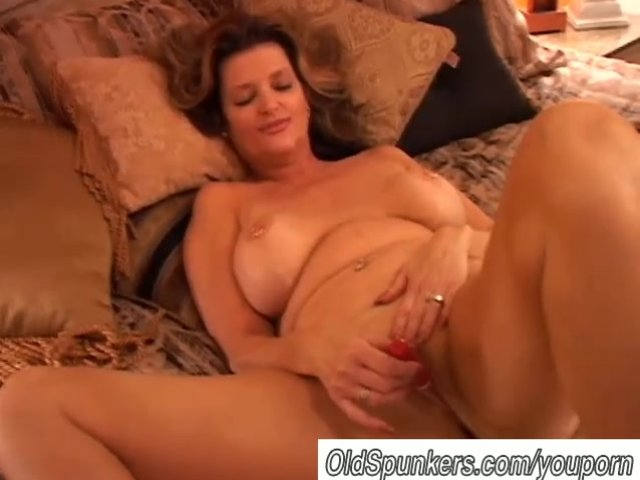 Mature squirting female orgasms