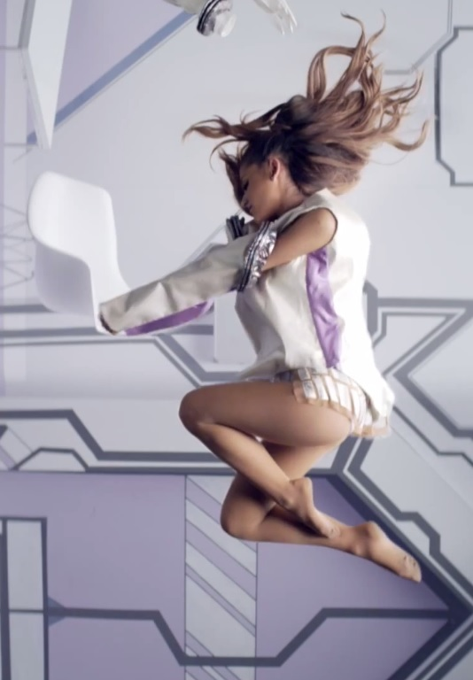toes Ariana grande naked