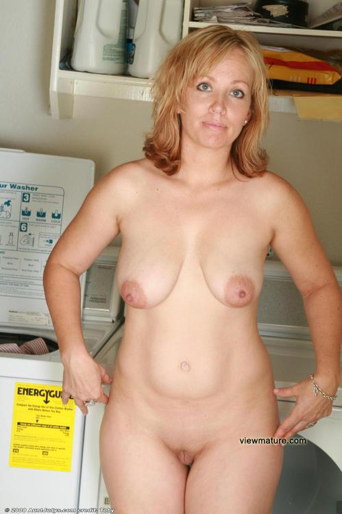 mature nude Real women