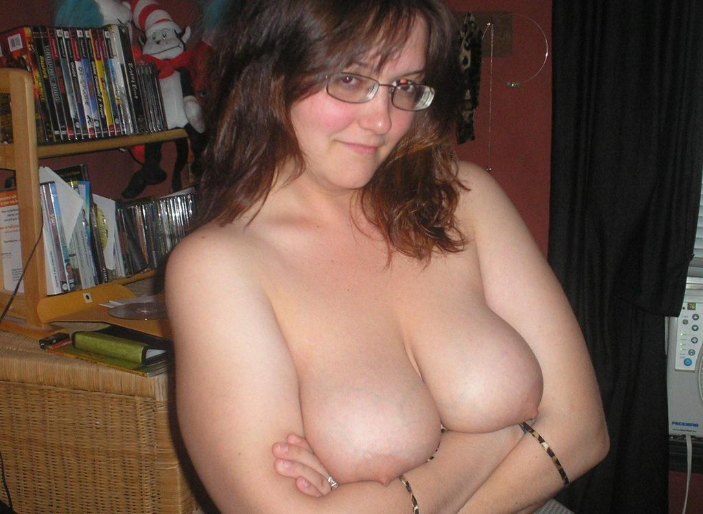 nude Nerdy indian girl