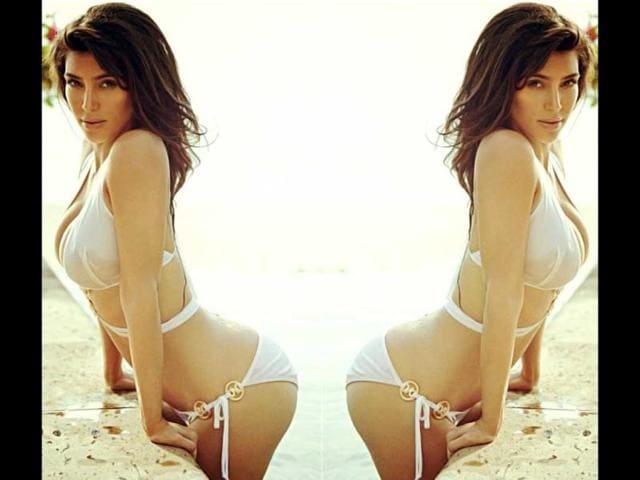 underwater Kim bikini kardashian