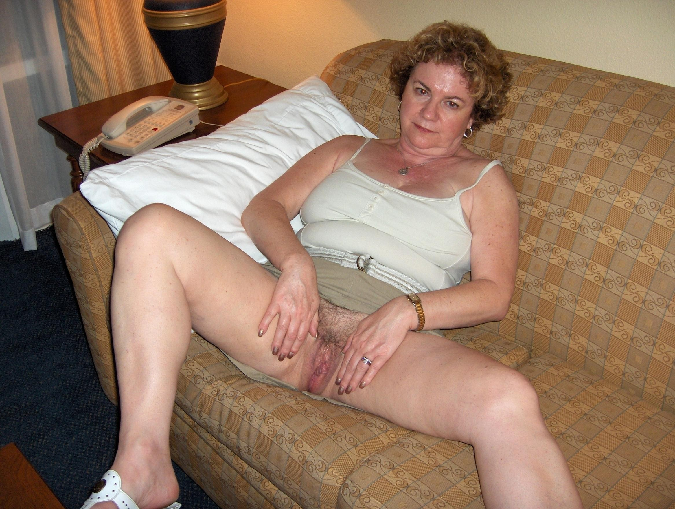russian moms nude photo