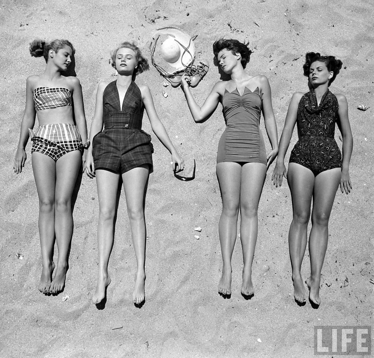 suits Vintage beach bathing