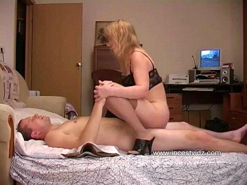 moms having sex Naked