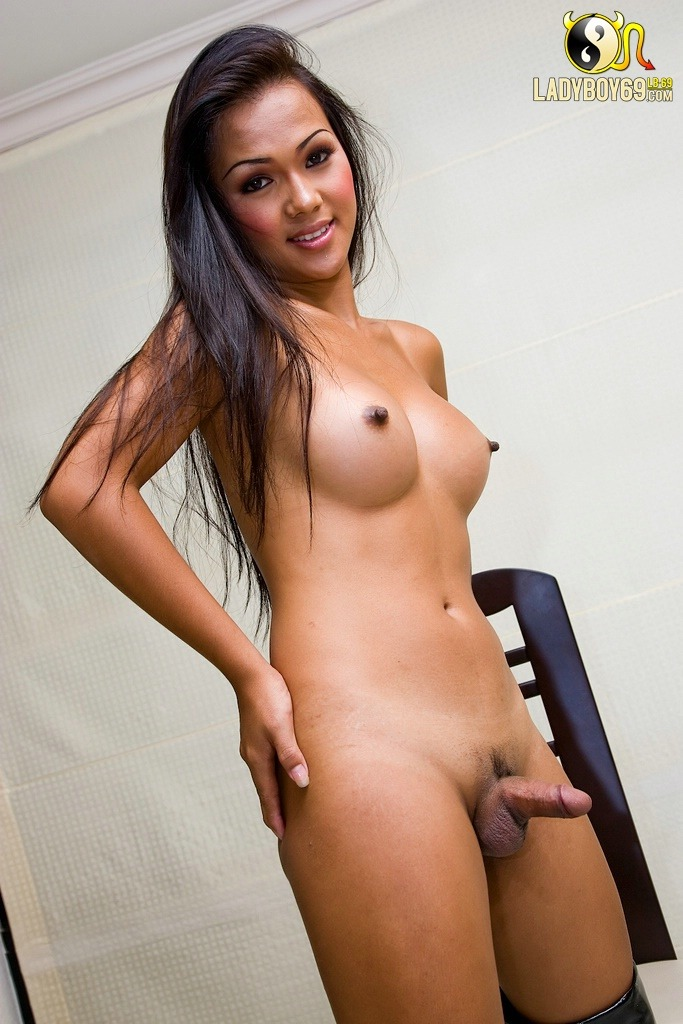 naked cousin Amateur