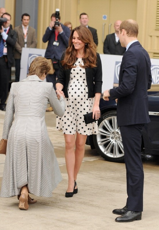 duchess curtsy Blood kate