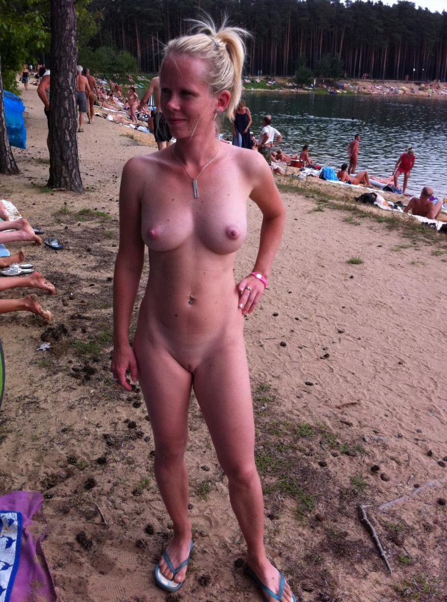 amateur nude Naked candid