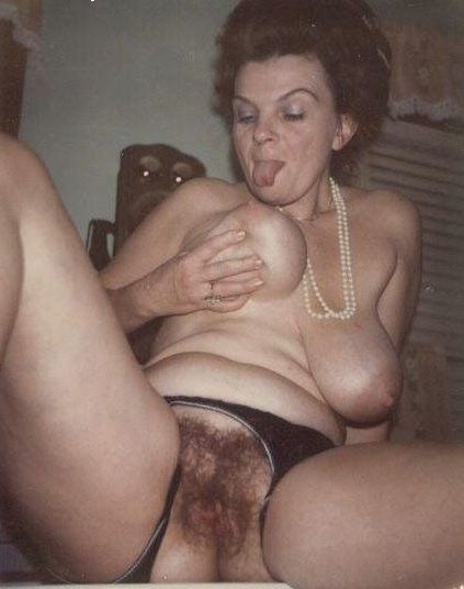 women Mature fat hairy pussy