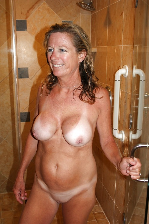 tan nude Mom lines